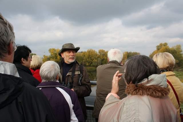Ernst-Paul D�rfler bei der Vogelzugf�hrung
